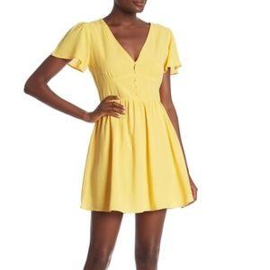 EVERLY Short Sleeve V-Neck Dress